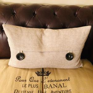 Other - Long Woven Natural Big Button Down Pillow Set